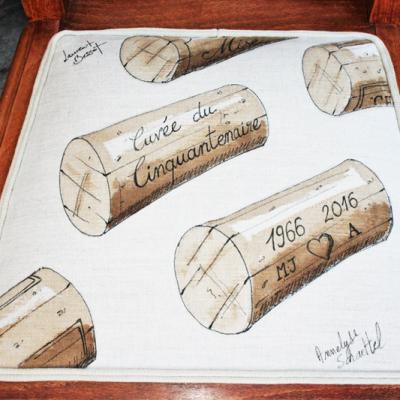 Chaises à personnalisation vinicole - zoom sur l'assise - en collaboration avec Laurent Bessot